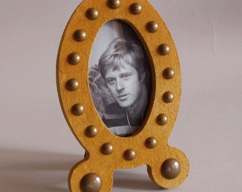 oval picture frame - yellow - recycled newspaper