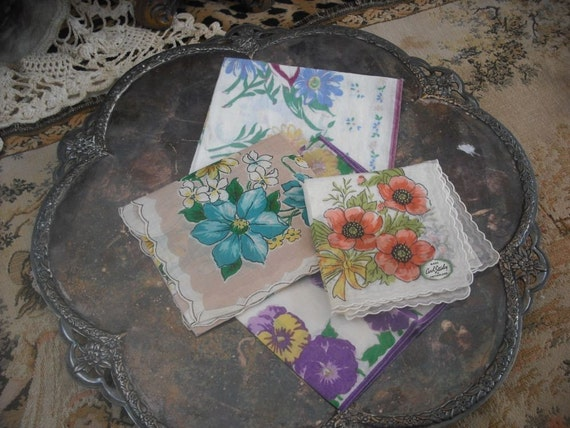 Instant Collection of Pretty Vintage Hankies/Florals