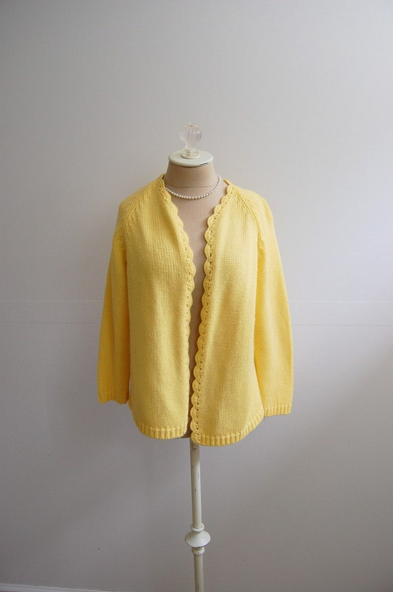 The Reese- Vintage 1950s Rockabilly Pin Up VLV Buttercup Yellow Scalloped Wool Cardigan Sweater Size XL 2X