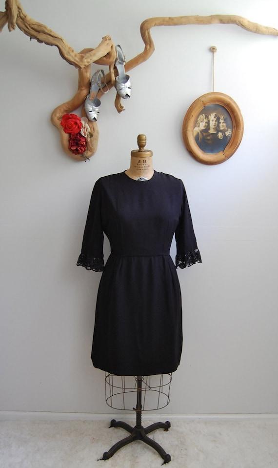 Vintage 1960s Dress - 60s Lace Cocktail Dress - The Blanche - PLUS SIZE