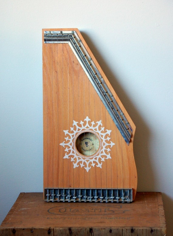 Beautiful Bontempi Italian Lap Harp or Zither
