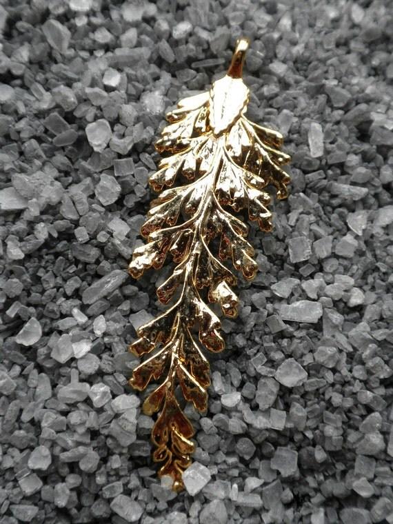 Leaf Pendant - 24 karat gold plated (A062)