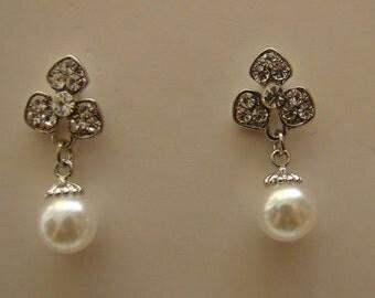 Pearl Earrings -- Wedding Bridal, Bridesmaid, Party, Gift (E5009)