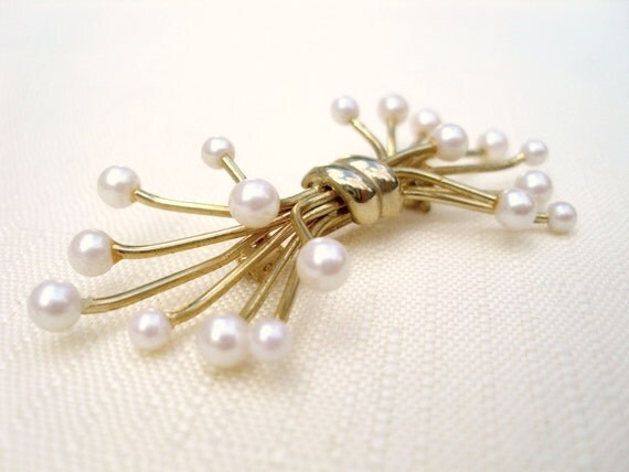 Vintage brooch gold-tone pearl spray twig atomic scarf pin