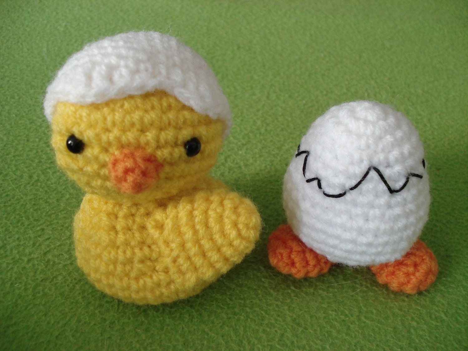 Amigurumi Fried Egg Pattern : Amigurumi Pattern Chicken and Egg with Feet Easter by ...
