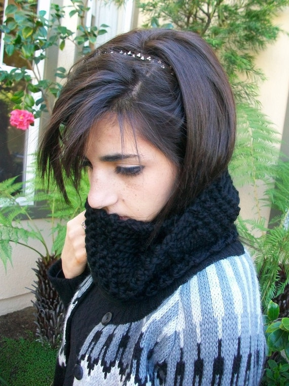 Midnight Black Super Thick Knitted Dropstitch Cowl
