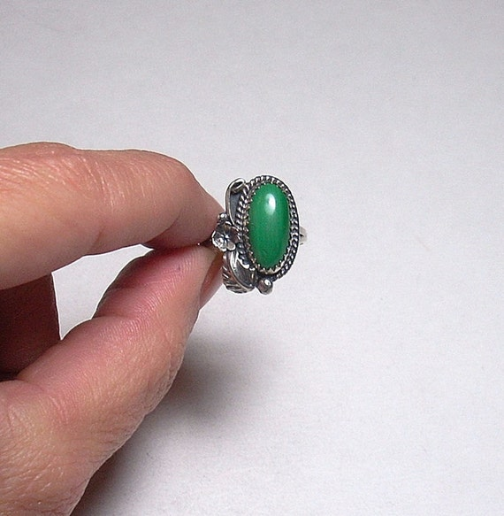 Vintage Navajo Artisan Genuine Green Malachite Sterling Silver Ring