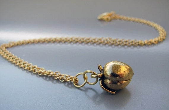 Golden Apple Mythology Necklace in Gold