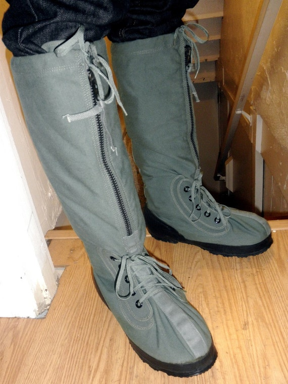 Vintage Mens Mukluk Cold Weather Military Boots