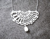 White Lace pendant