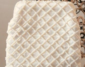 Daisy - Vintage Bridal Clutch