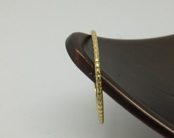 18k Patterned Solid Yellow Gold Skinny Ring Band