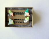 set of 4 bobby pins 2/6