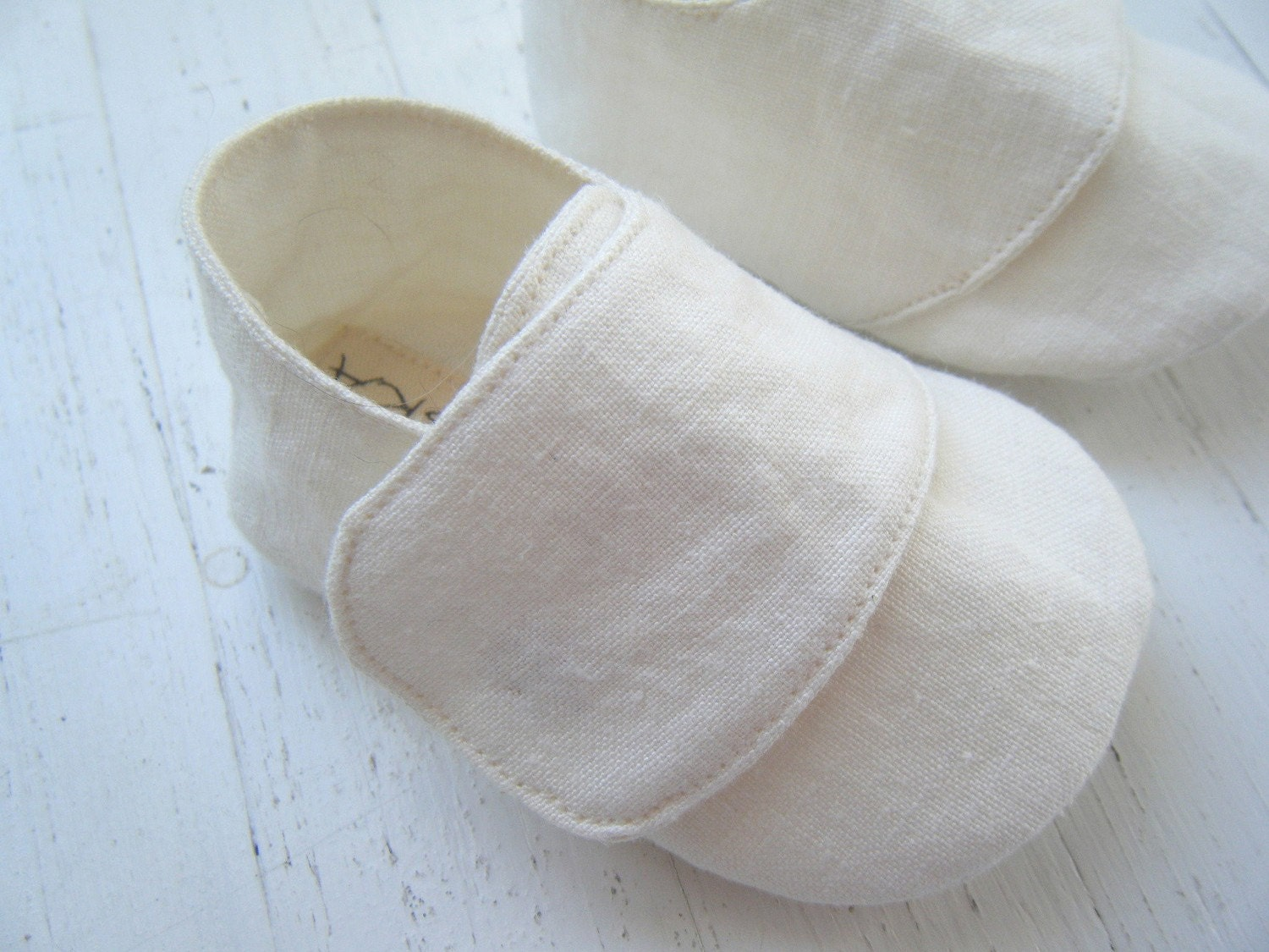 Welcome to hand-painted organic baby shoes & slippers from Kaya's Kloset! Thank you for looking into Kaya's Kloset Organic line of shoes. Cotton is the most pesticide-dependent crop in the world, accounting for 25% of all pesticide use.