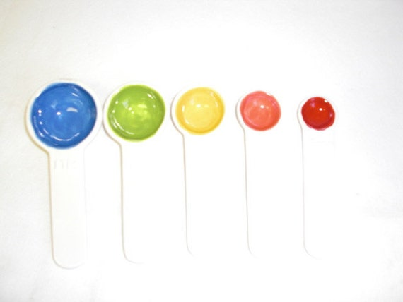 Set of 5 Bright Rainbow Color Centers Ceramic Measuring Spoons