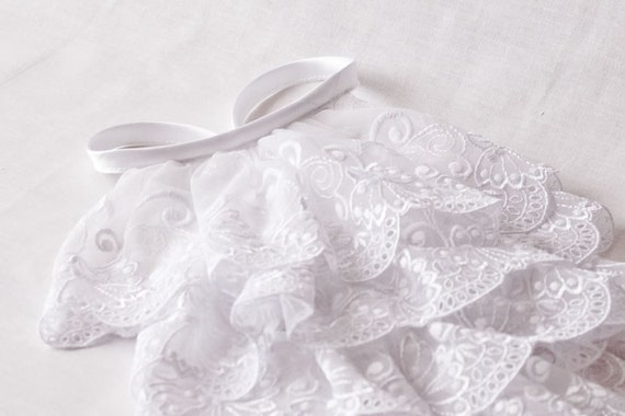 Classical white lace jabot - snow white