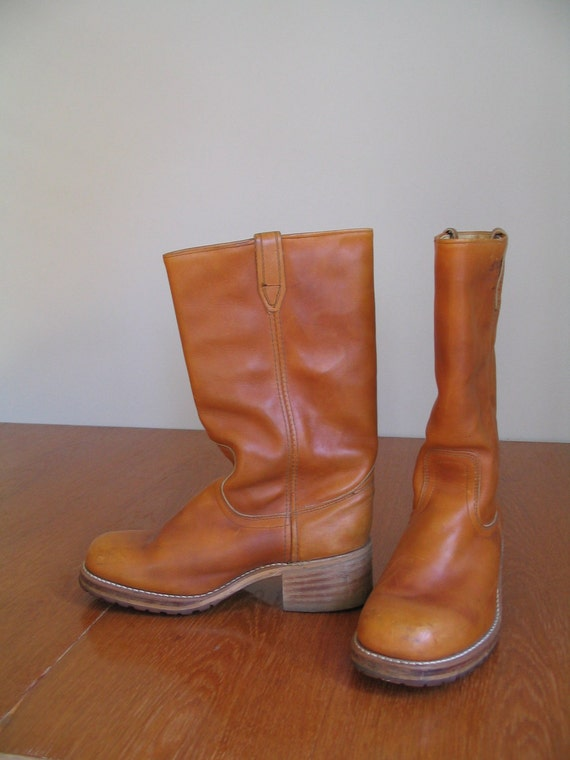 sale 1970's DINGO LEATHER BOOTS pull on. stacked heel. unisex