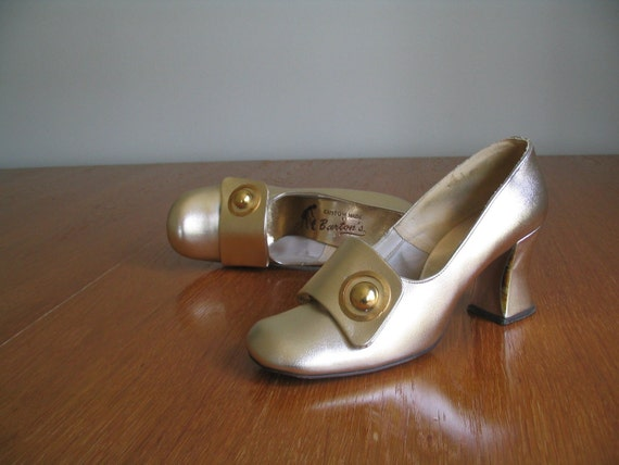 1960's GOLD TONE HEELS .stacks . mary janes.shoes