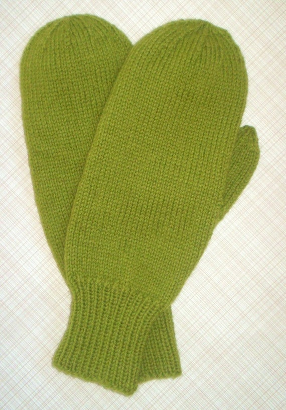 Mitten Knitting Pattern 4 Needles : Pattern for Mans Four Needle Classic Mittens