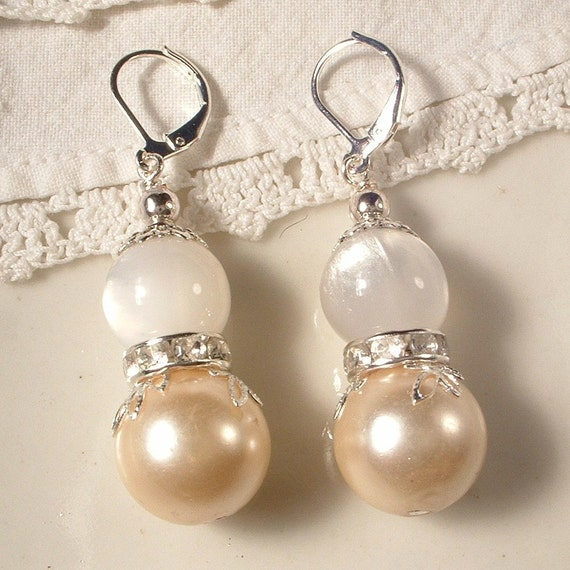 Vintage French Vanilla Creme Pearl, Crystal, & White Moonglow Silver Bridal Dangle Earrings