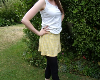 1960s Vintage Yellow and White Checked Picnic Tap Shorts