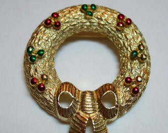 Vintage Signed Gerrys Christmas Wreath Brooch