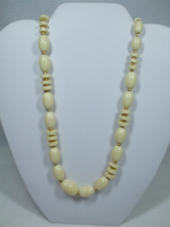 Vintage Beaded  Cream  and Gold  Necklace Costume Jewelry