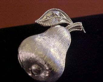 Vintage Figural Pear Silvertone Brooch/Pin