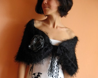 Elegant Capelet with French Lace in Retro Style - 40's - suitable to all sizes