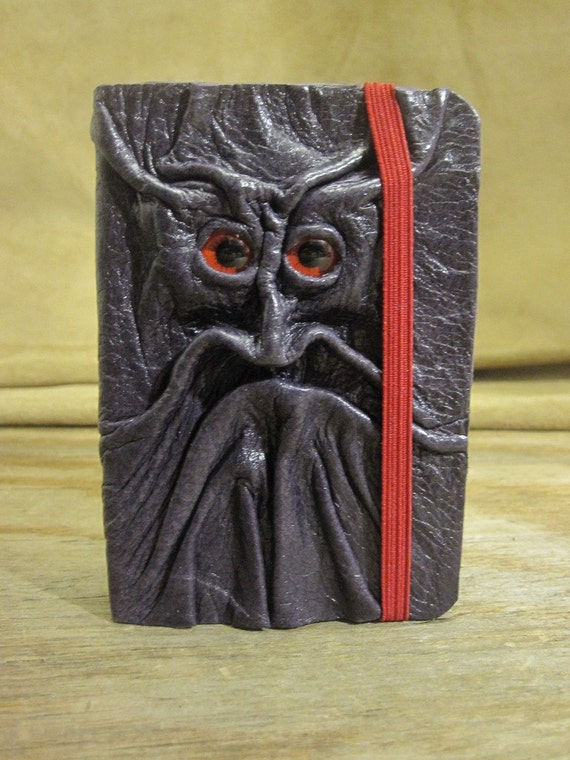 Grichels leather deluxe mini sketchbook - glossy dark purple with red eyes