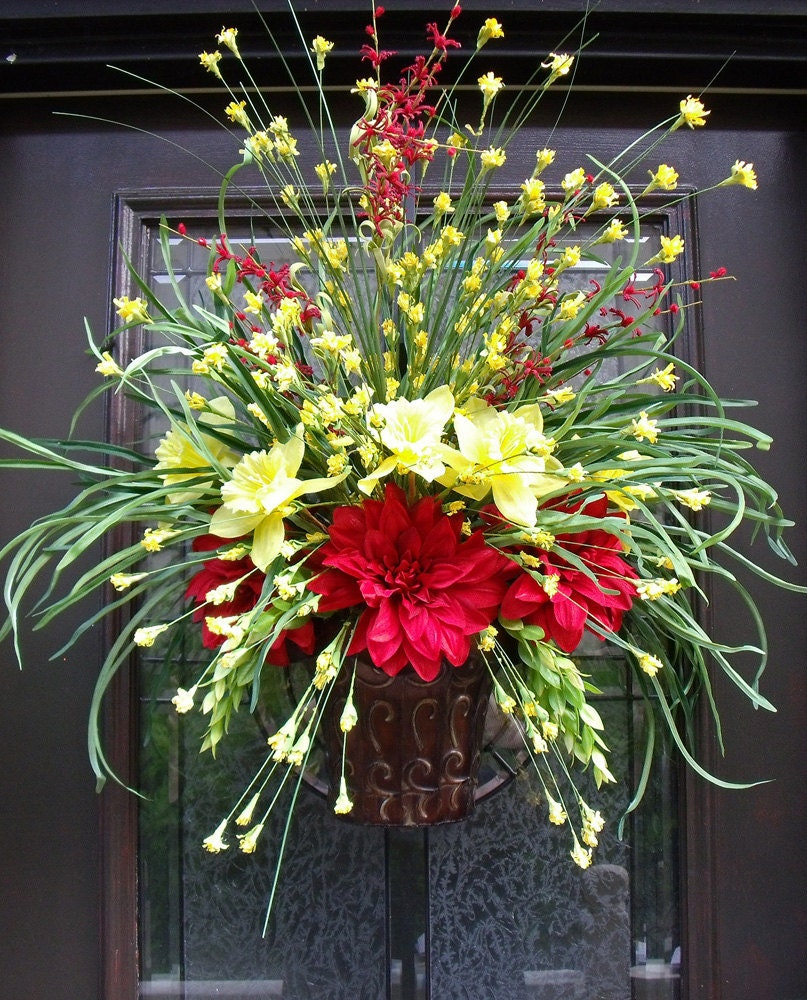 Summer door wreath wall floral arrangement grassy flower Spring flower arrangements for front door