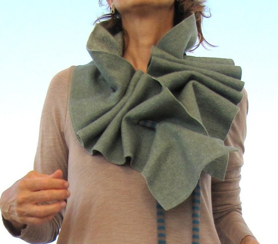 Green felt scarf