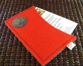 Merino Wool Felt Business Card Holder. Credit card case- Wallet. Handmade in Switzerland. Eco Friendly. Gray polka dot.