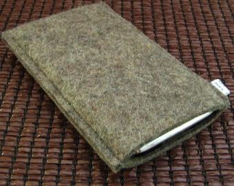 Minimalist iPhone 6 case- handmade- grey Wool felt- eco friendly- made in Switzerland