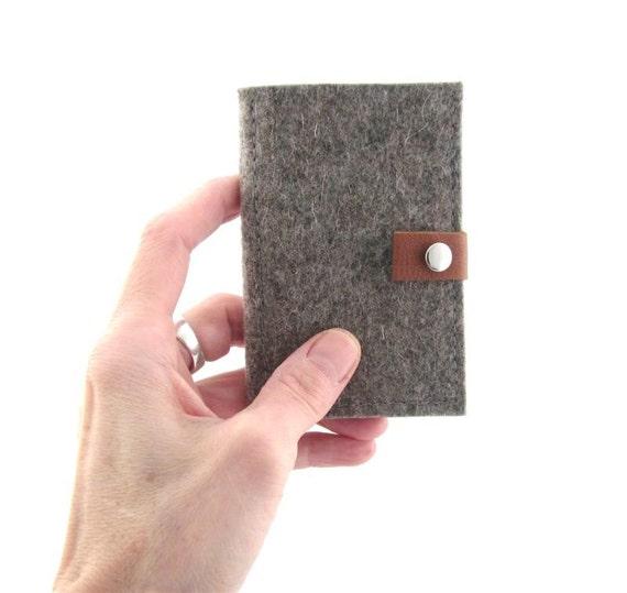 Minimalist Business Card Holder- ID Credit Card Wallet - Eco Friendly Wool Felt - Handmade- vegetable tanned Leather