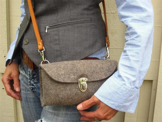 Cute multi functional Clutch purse.Homage to a classic German design. Handmade- eco friendly pure Wool Felt classic gray