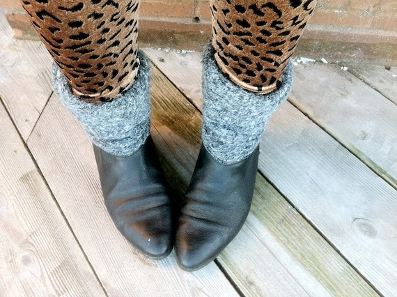 90s Black & Grey Slouch Ankle Boots 7.5  EURO 38