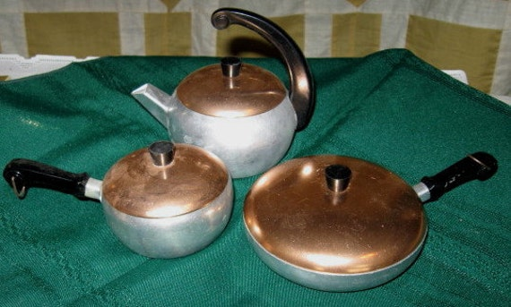 Vintage Childs Toy Cooking Wear Ever Pans Set