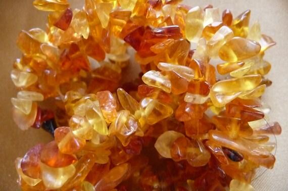 SALE!! Bead, glass, honey, medium chip, Sold per, 16 inch strand  SALE!!
