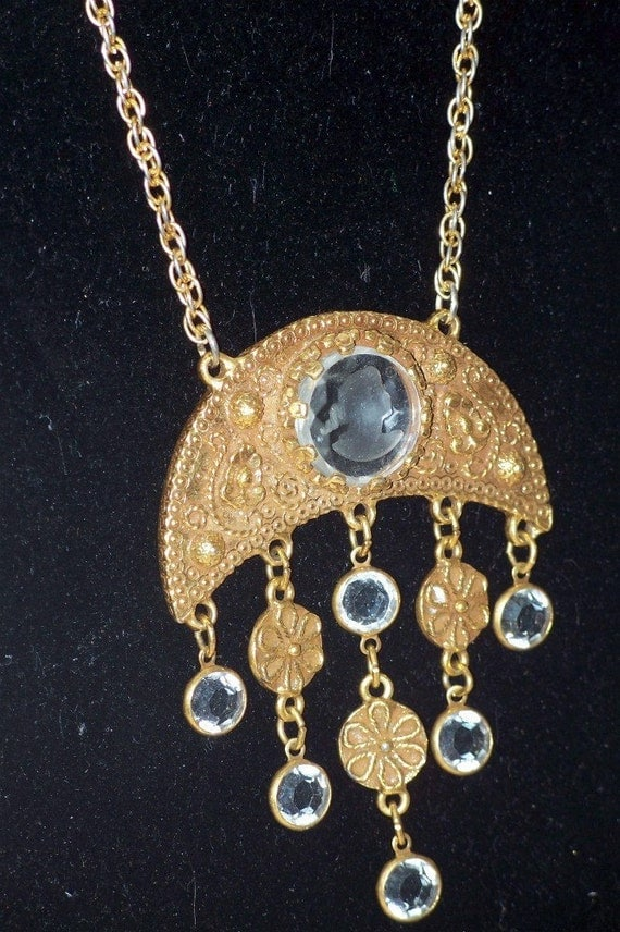 Vintage Goldette Necklace Glass Intaglio Dangle