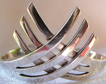 Vintage Mexican sterling silver bracelet cuff   Los Ballesteros   Taxco Mexican silver   Frida Kahlo style