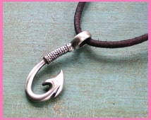 Free Shipping Leather Surfer Necklace With Big Pewter Fish Hook Distresed Cord