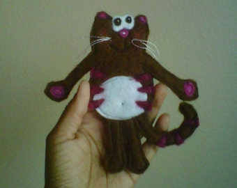 Cocoa Kitty - a wool felt brooch