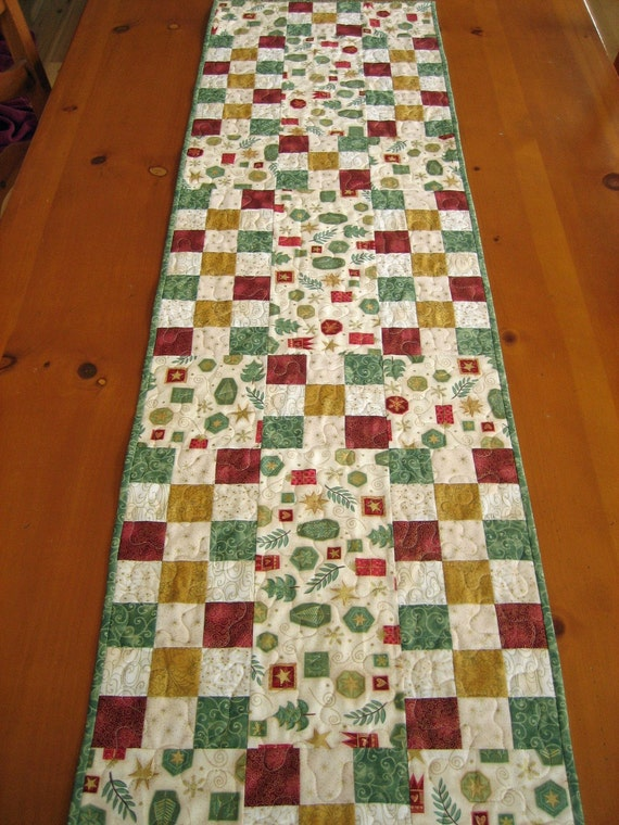 Christmas Table Runner, Quilted Table Runner