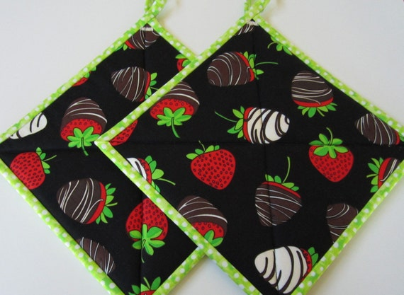 Pot Holders - Strawberries, Kitchen, Home & Living, Hostess Gift