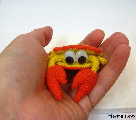 Amigurumi Hermit Crab : Rupert the Crab little crocheted amigurumi