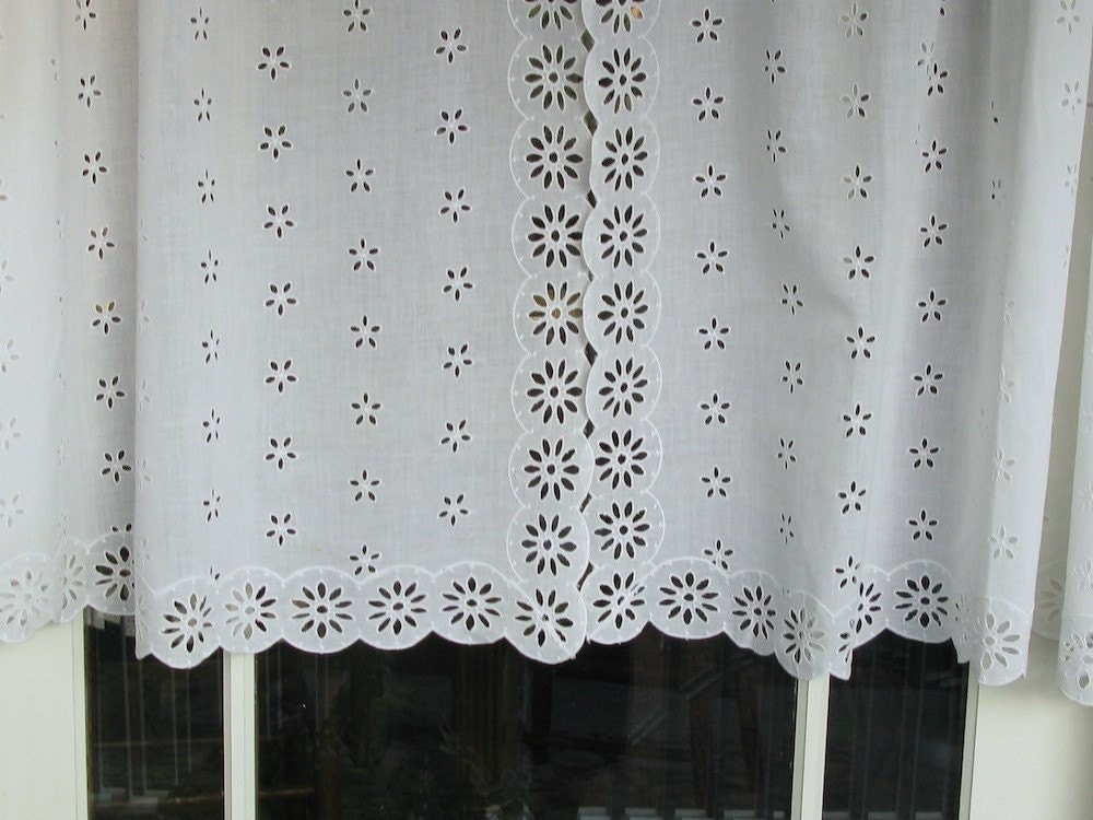 Eyelet Bedroom Curtains White Eyelet Curtains