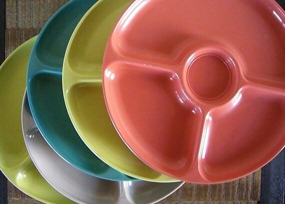 Set of Five Vintage Shel-Glo Melamine Picnic Plates