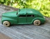Vintage Barclay Toy Taxi Green number  318 1940s Lasalle Cab