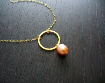 Gold Eternal Necklace with Champagne Pearl